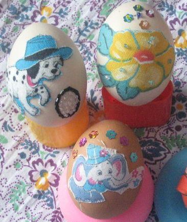 Для тех, кому нравится украшать пасхальные яйца текстилем