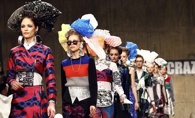 Одежда из мусора на неделе моды в Лондоне