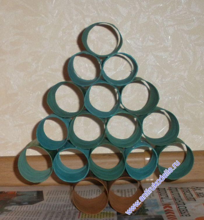 Сделаем новогоднюю елочку из рулонов от туалетной бумаги