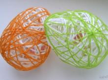 Декоративные яйца из ниток на Пасху (мастер-класс)
