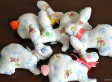 Подвеска с кроликами для детской комнаты