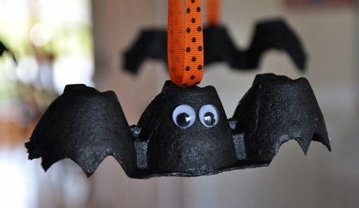 Летучие мышеи из коробок для яиц на Хэллоуин