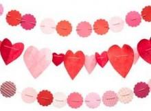 Гирлянда на День святого Валентина из упаковочной бумаги