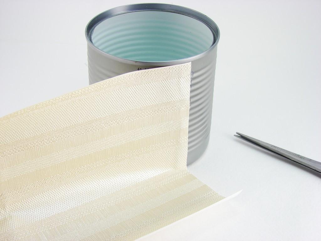 Самодельный подарок на 8-е марта: вазочка из банки от чипсов